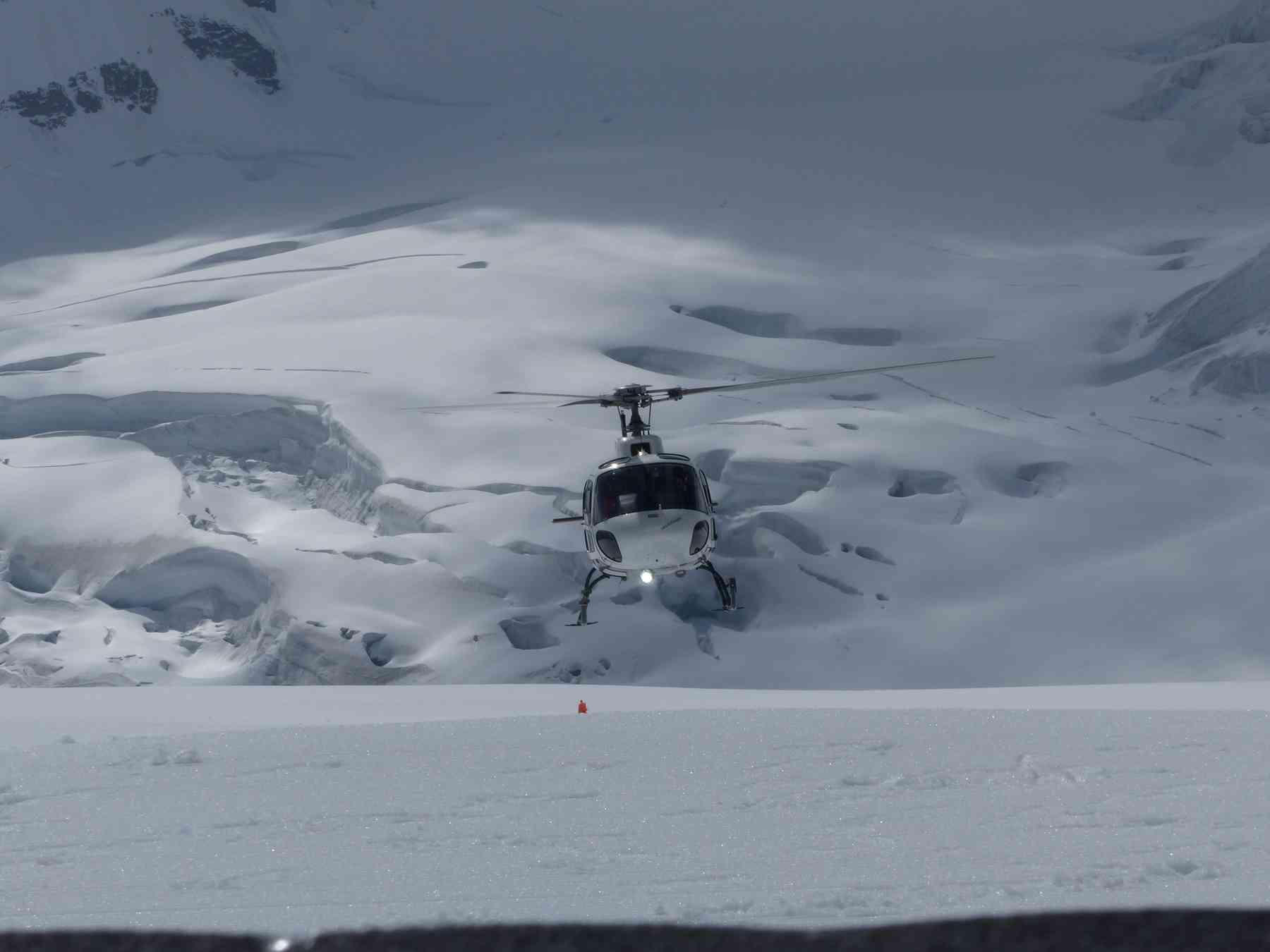 Helicopter at Jungfraujoch